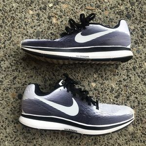 hot sale online 9c5a3 f6212 Nike Air zoom Pegasus 34 LE 9.5 men's/ 11 women's